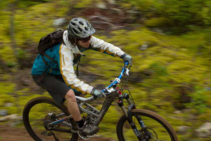 Beth Parsons in action in the Race Face Kelly Jacket - photo by Sterling Lorence