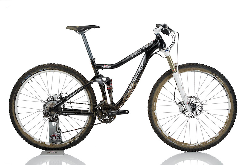 Norco's 29 inch wheeled Shinobi looks ready to take its rider way out into the back country, even if that does include some serious terrain.<br><br><span style='font-size:17px'>Norco Shinobi details:</span><br><br>- 29'er trail/all-mountain bike<br>- RockShox Monarch 2.1 MM3 air shock with 120mm of rear wheel travel<br>- RockShox Reba 29'er fork with 140mm of travel and 20 mm MaxleLite<br>- Uses Norco's A.R.T suspension design<br>- Short, tapered head tube<br>- Post mount rear disc brake mount<br>- ISCG 05 chain guide tabs<br>- Cable routing for a dropper post<br>- Shimano 10 speed gearing<br>- Available in four sizes: 16.5, 18 (<i>tested</i>), 19.5, 21<br>- Weight 31lbs 1oz(<i>w/o pedals</i>)<br>- MSRP $2860 USD