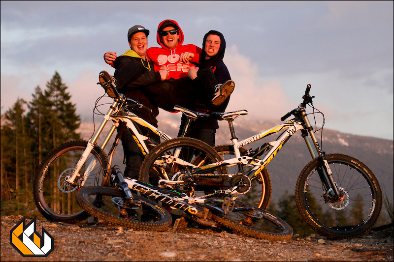 The Crew with their Scott Voltage DH's