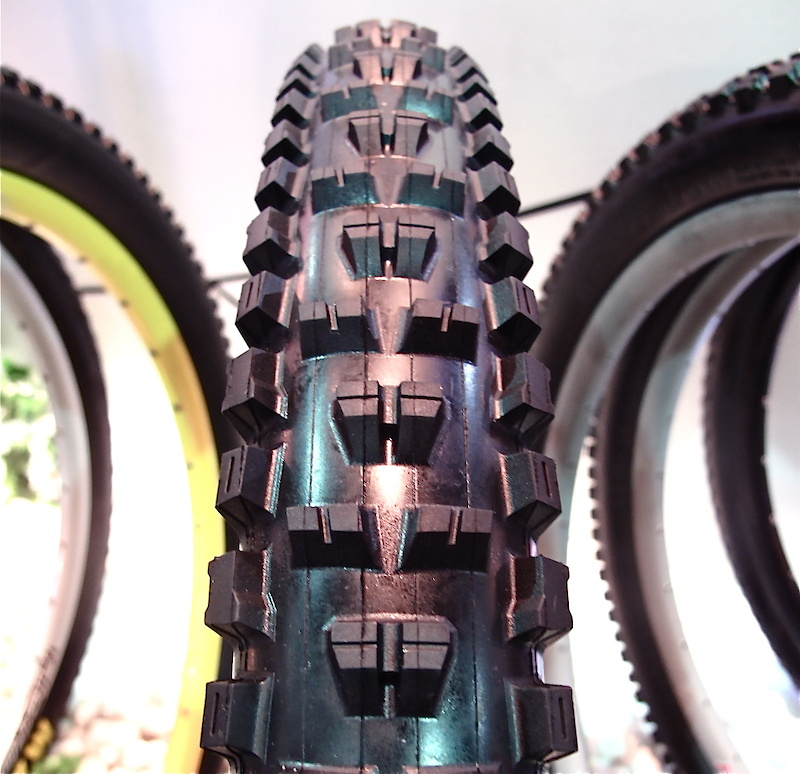 Could this be the tire that replaces the much loved Highroller?