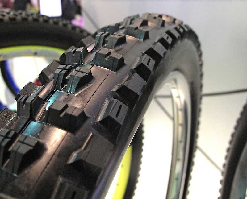 The new tire will be available in both FR and DH versions.