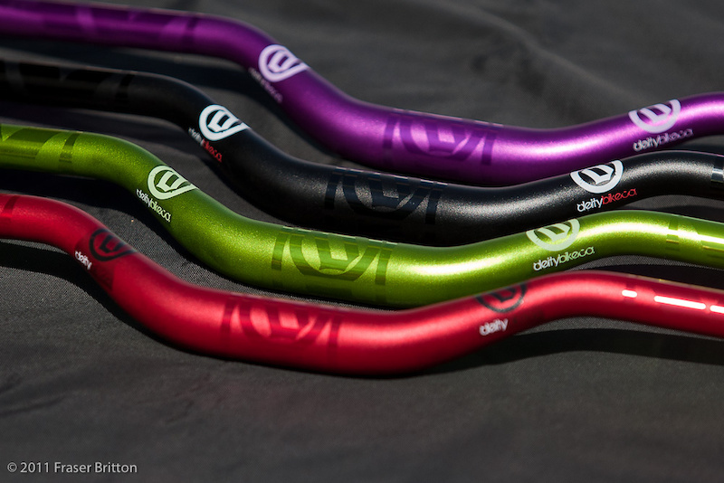 Deity's Dirty 30 bars have a new two tone anodized finish for 2011 that involves masking the bar before bead blasting, followed by anodizing before the water transfer decals are applied.<br><br><span style=