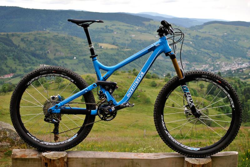 请问山地自行车什么型号比较实用