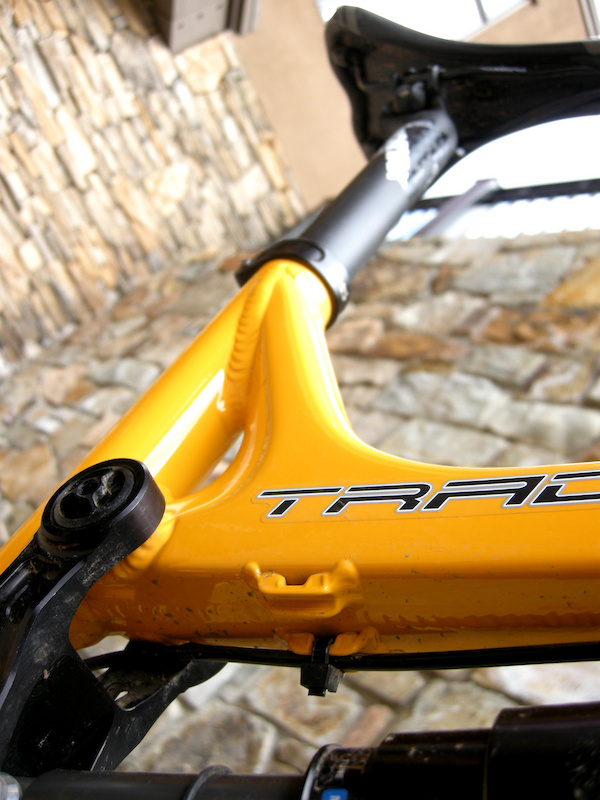 Cable housing stops for a dropper seat post are standard fare on the Tracer 2. The stops are designed for small Zip-ties, a pragmatic touch that reflects Intense's racing heritage. 