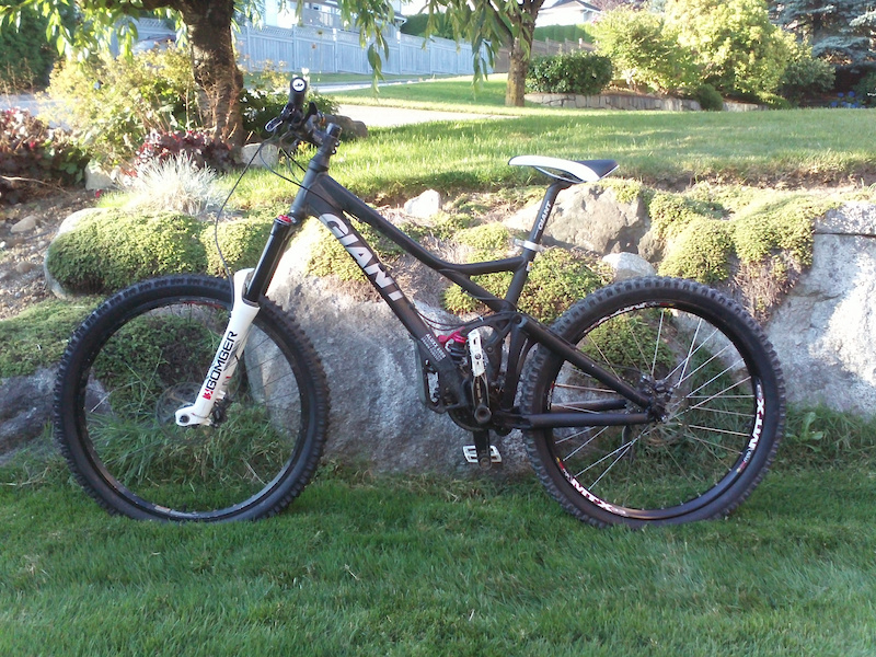 2009 Giant Reign 2 Specifications http://bb.nsmb.com/showthread.php?t=144170