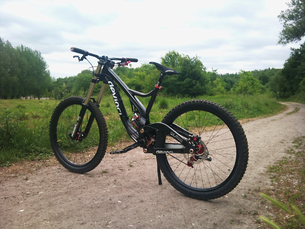 Best looking dh bike ever page 3 mtbr either the mondraker or devinci wilson thecheapjerseys Image collections