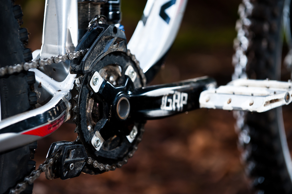 A 36 tooth ring is bolted up to FSA's Gap Mega Exo DH cranks. Norco has spec'd an e*thirteen LG1 guide, a good choice that has proven to be reliable over time.